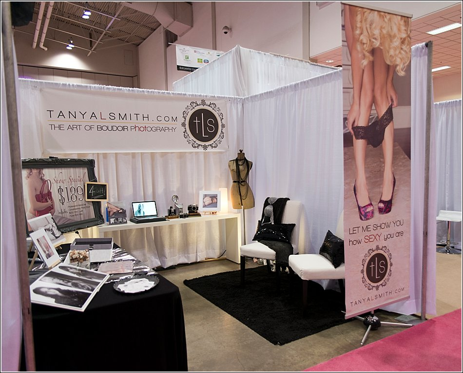 Bridal show boudoir set up tanya smith modern portraits for Living room designs 10x10